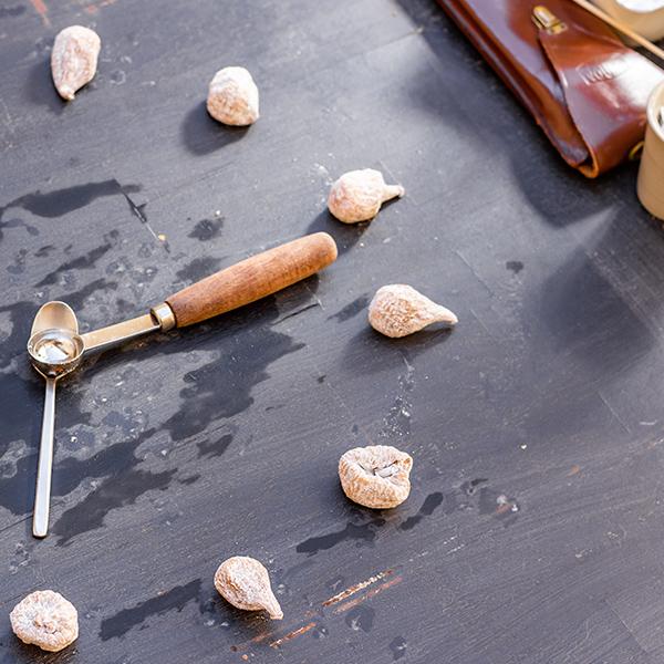Figuettes sauvages Andalousie - Import France depuis Espagne - Figues Naturelles - Alpujarra - Cortijos - Sachet - Originales - Noeud - Credits Photographie Rémy Sanchez & Franck Ruiz - Agence Elliot Shebaski